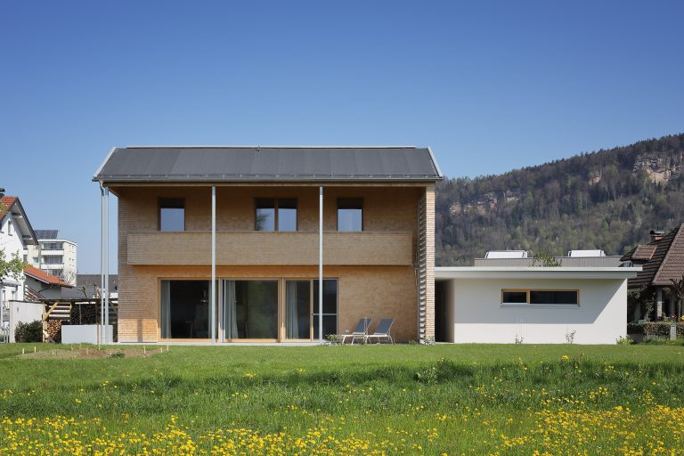 Projekt: Haus Mayrhofer Ausführung: Sohm Holzbautechnik GmbH Ort: A-Wolfurt Datum: 2019/04