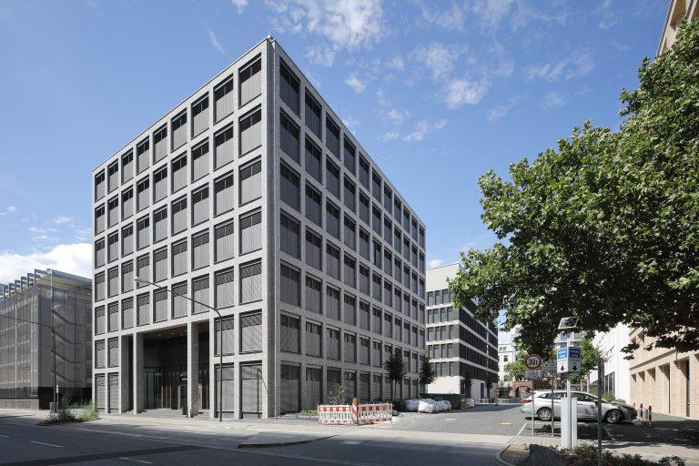 Projekt: GKK Gebäude und Landesärzekammer_D-Frankfurt Hersteller Fassadenriemchen: Ströher GmbH Ort: D-Frankfurt Datum: 2019/08